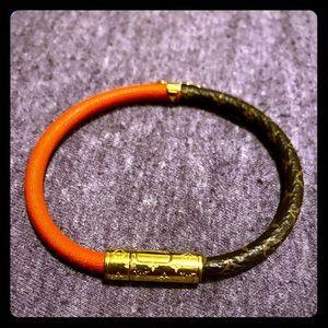 Louis Vuitton daily confidential bracelet red